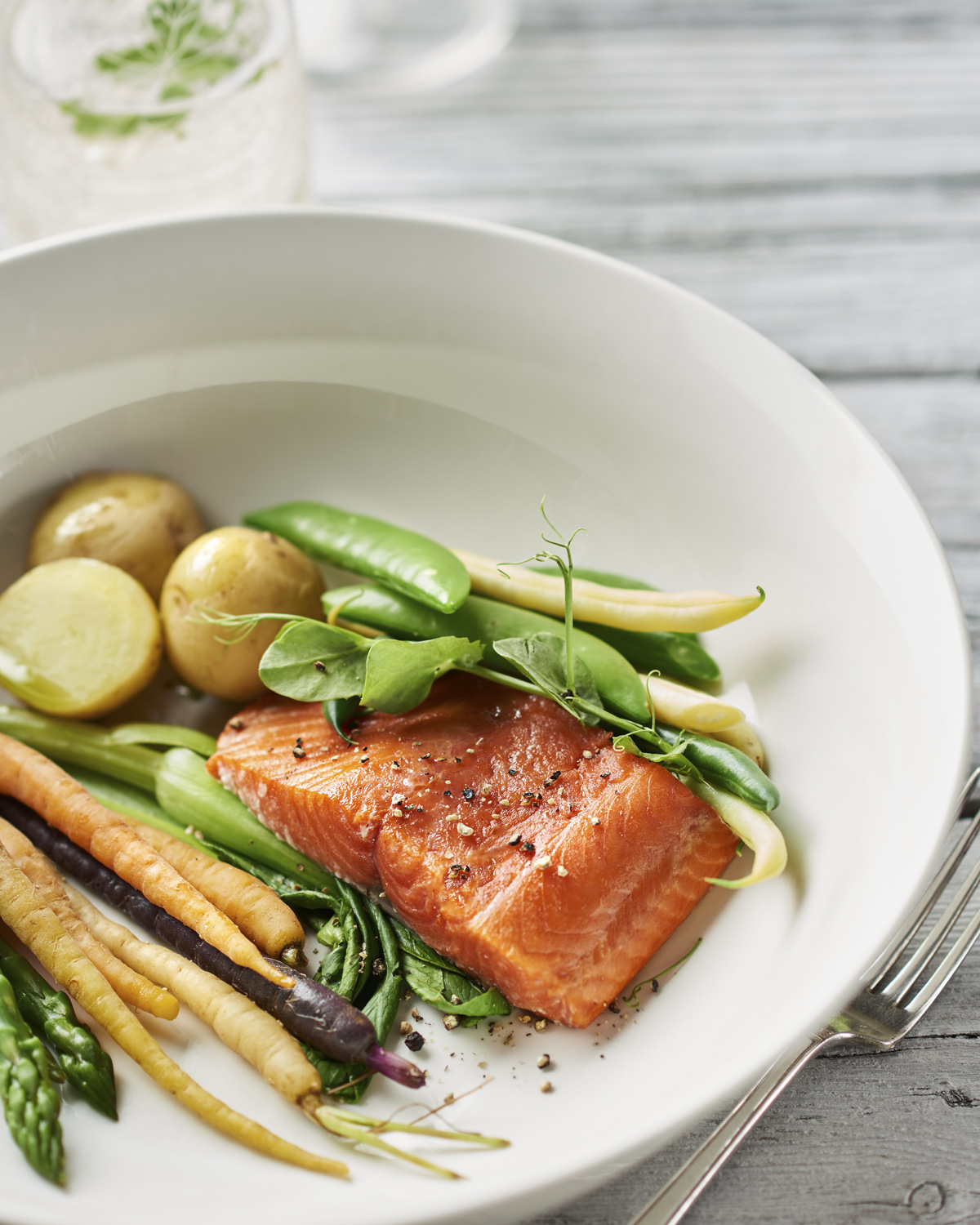 1-thyme-table-plated-salmon