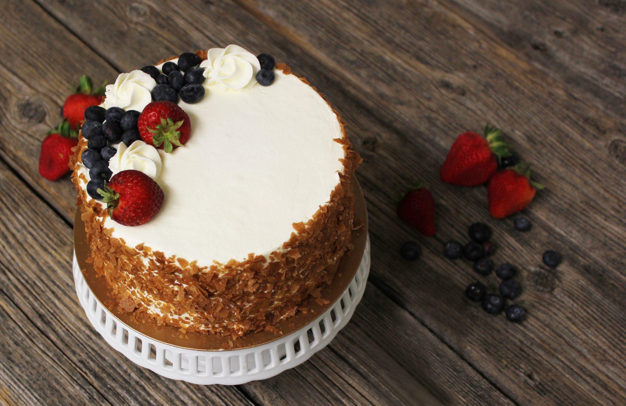 berry cream cake 3